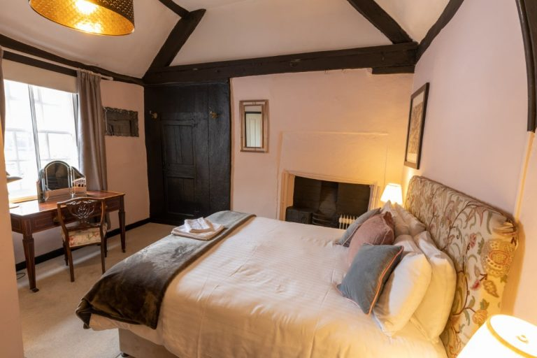 The Old Vicarage Hotel Room 7 2